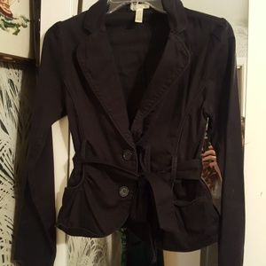 Light Button Up and Tie Black Jacket